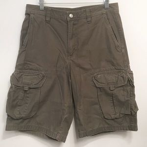 The North Face • Men's Olive Green Cargo Shorts 32